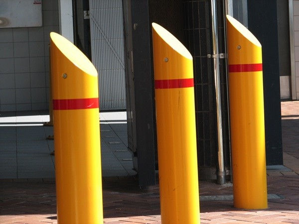 AVS-elli Fixed Bollards yellow