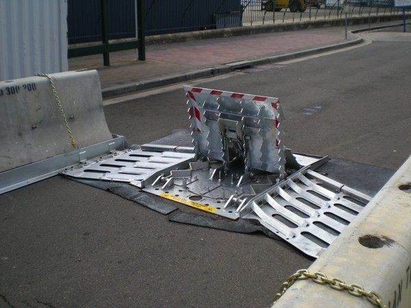 AVS-elli LW3 Quickfit Vehicle Barrier