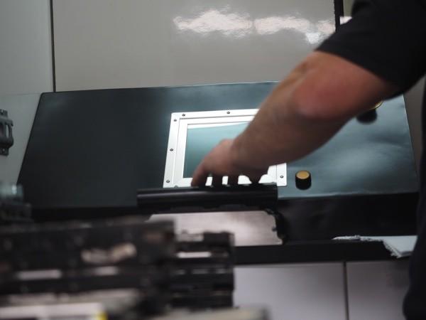 AVS-elli Media Destructor HDD insertion